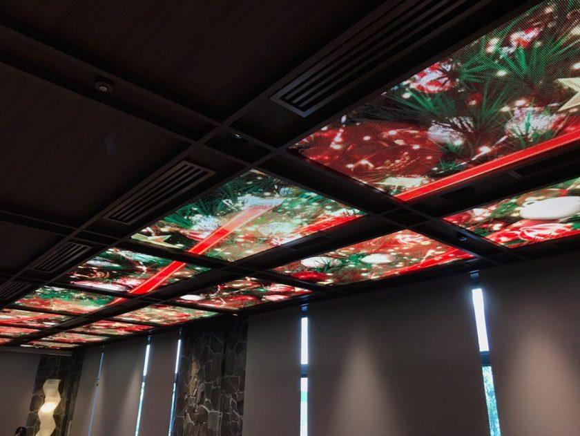 「なだ万蒼宮」の天井LEDビジョンにクリスマスバージョンが登場!